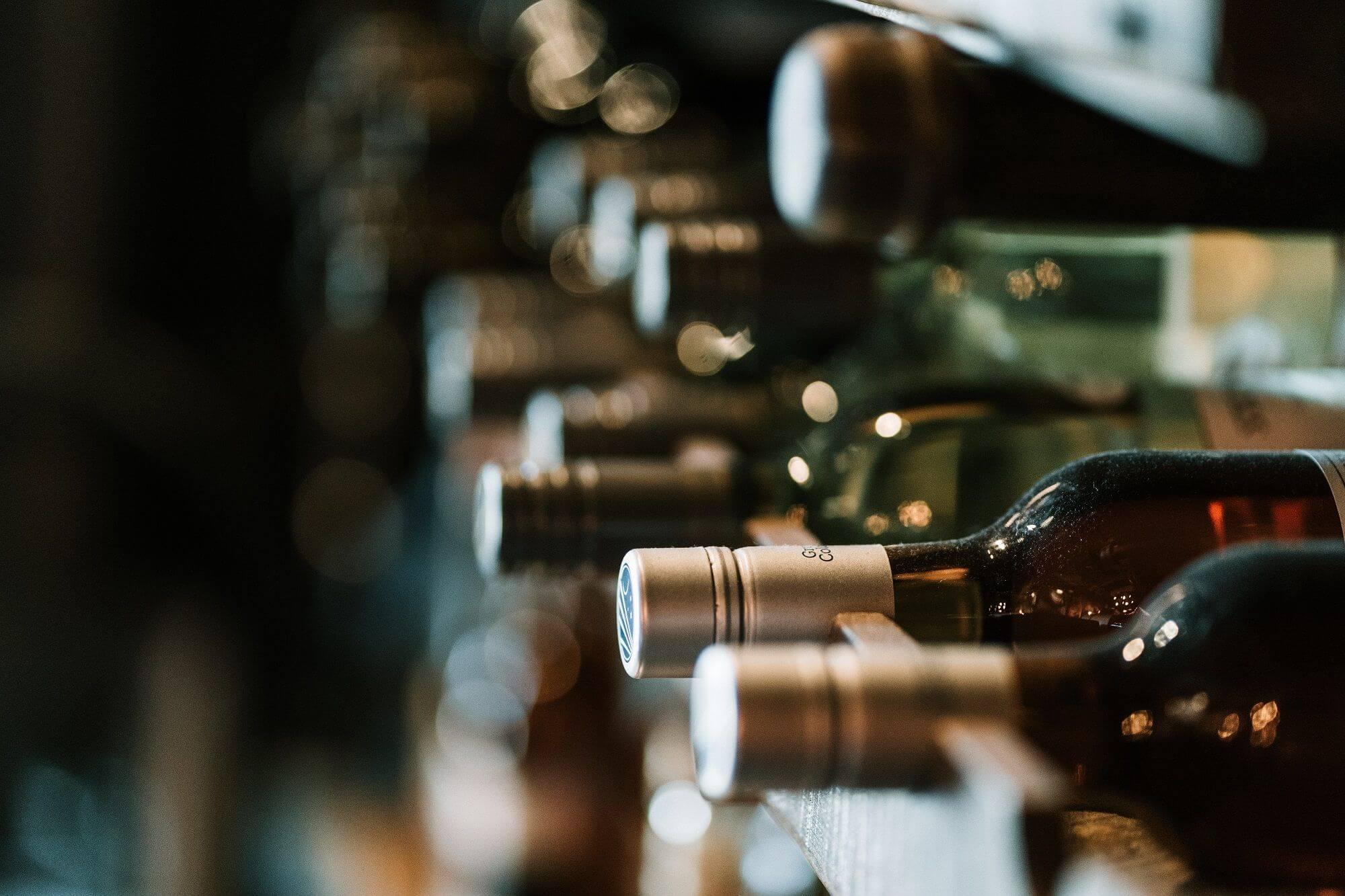 bottles_wines_faded_labportugaltours